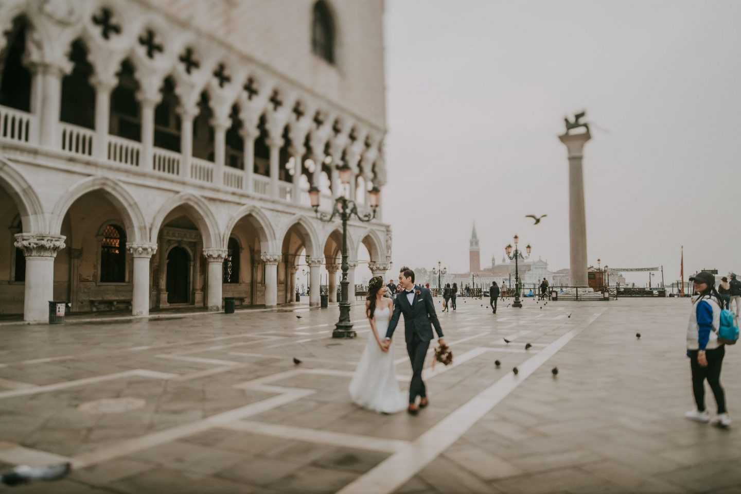 engagement pre wedding photographer venice italy