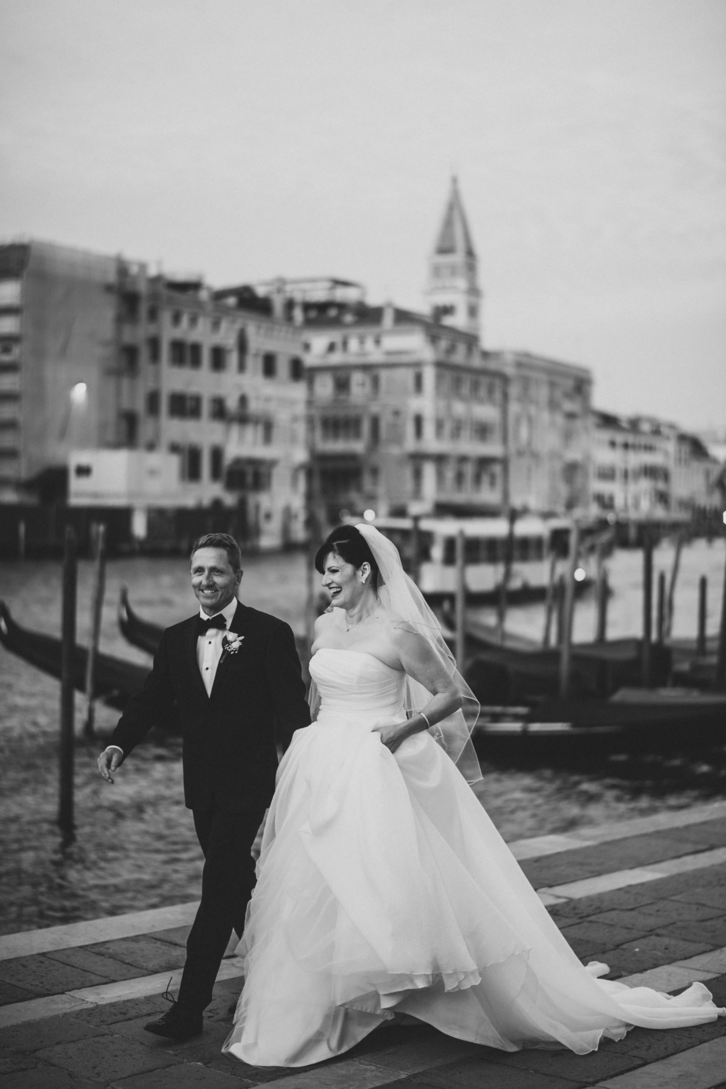 best places weddings honeymoon engagement photos venice santa maria della salute
